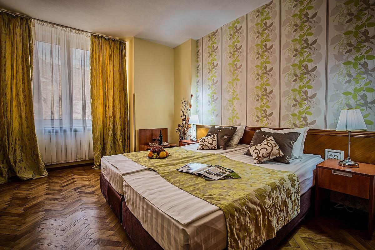 http://travelads.ro/rinasinaia/wp-content/uploads/2017/02/Apartament_Cerbul_2-1.jpg